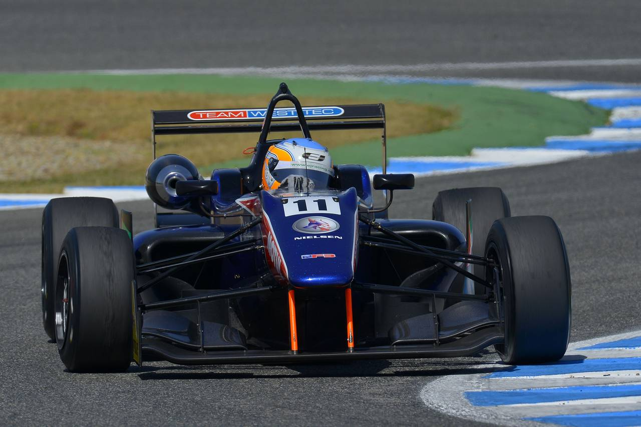 Ed Jones F3 open Jerez-03