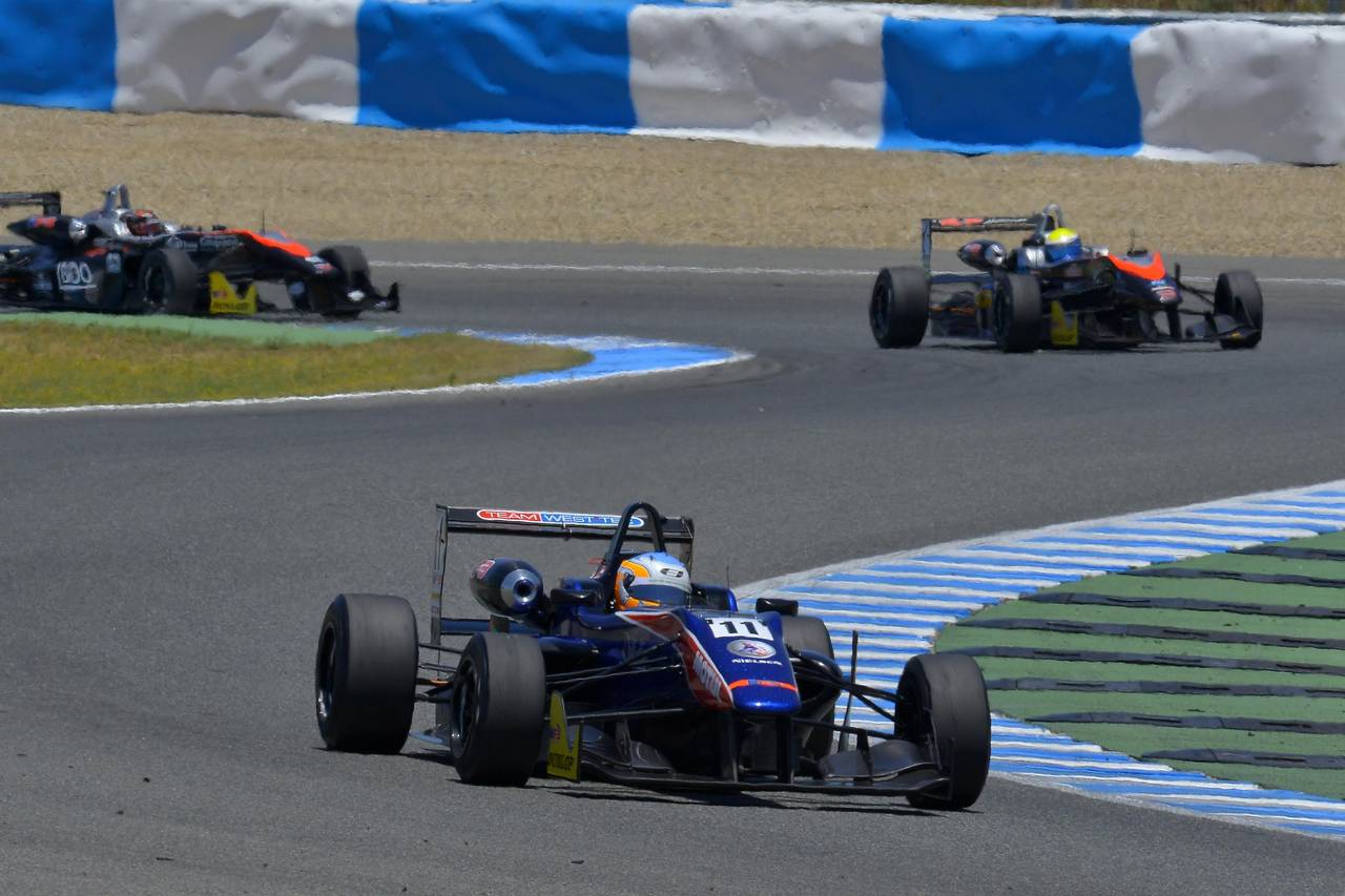 Ed Jones F3 open Jerez-06
