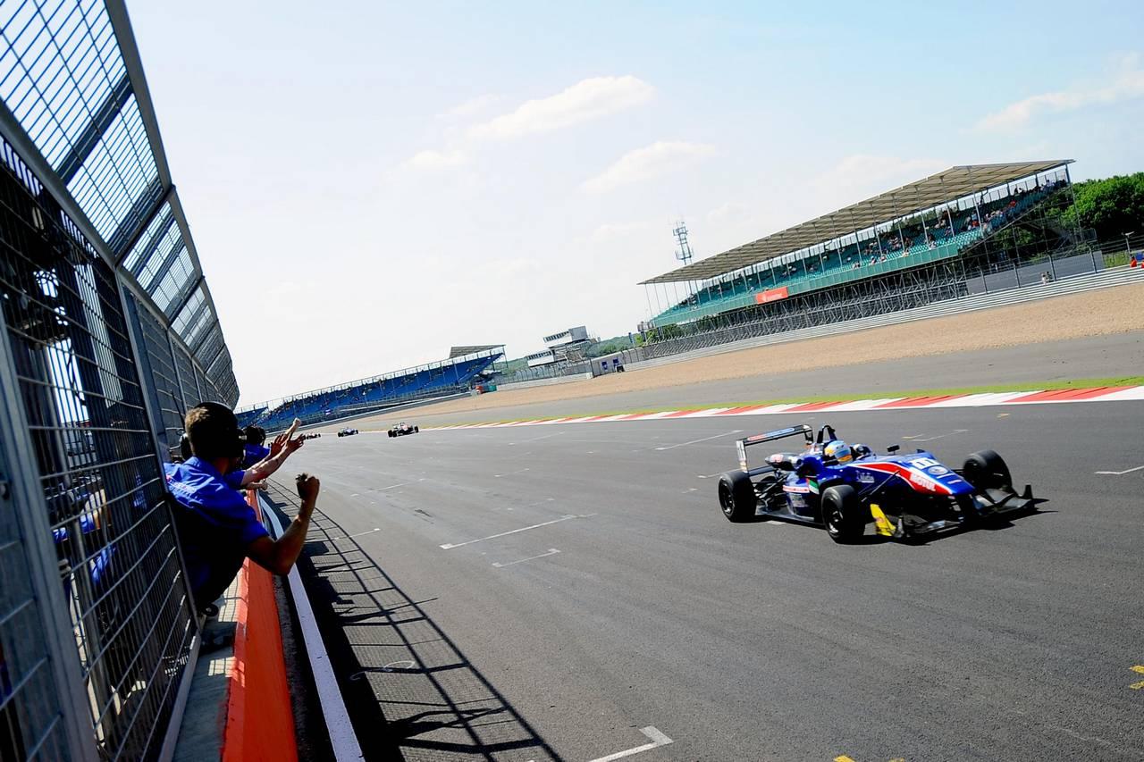 Ed Jones F3 open Silverstone-08