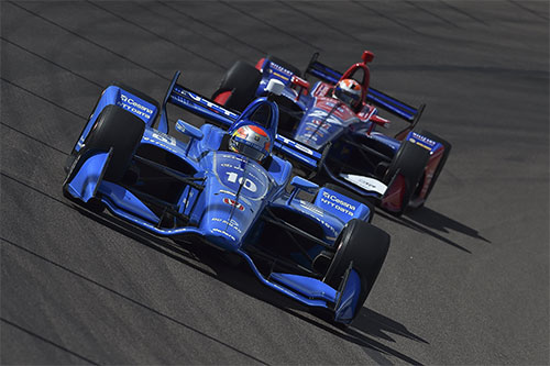 Jones vies for victory in Arizona before late-race heartbreak