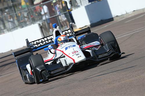 Jones produces podium-threatening pace on stellar IndyCar debut